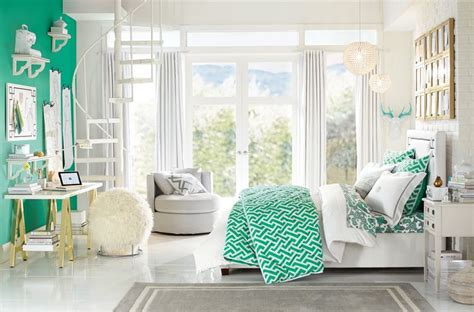beautiful bedrooms for teens 1000 ideas about green girls bedrooms on pinterest girls bedroom two tone walls