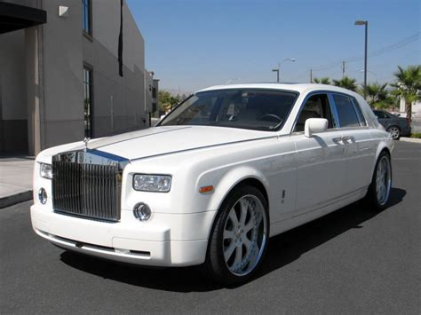 mayweather bentley 50 cent buys floyd mayweather rolls royce phantom