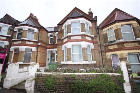 2 bedroom house to rent in plumstead 2 bedroom flat to rent in griffin road plumstead london