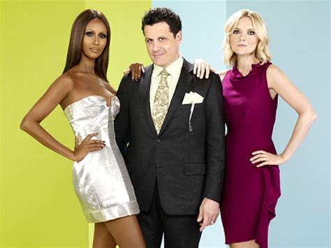 Big Designer News Isaac Mizrahi Is Named Creative Director Of Liz Claiborne Brand by Fashion Show May Trouble The Cut Ny Daily News