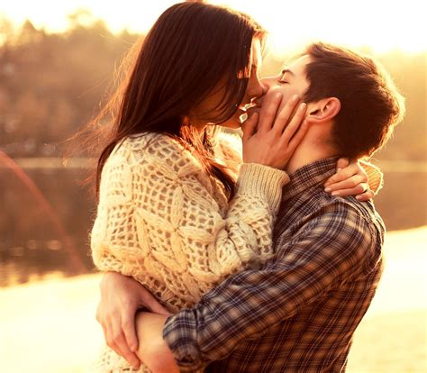 couple wallpaper new 2015 cute love couple kissing whatsapp dp 2015 romantic love