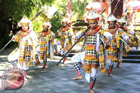 Pakean Tari Baris Tari Bali bsmp suguhkan pertunjukan tari baris antara news bali