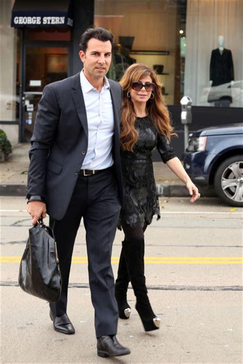 Paula Abdul Still Has A Boyfriend by Paula Abdul Pictures Paula Abdul And Boyfriend Shop In