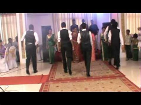 Sri Lanka's Best Wedding Group Dance Ever By The Bride's