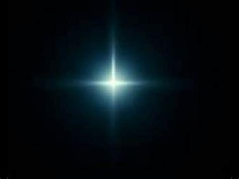 en la oscuridad una luz en la oscuridad youtube