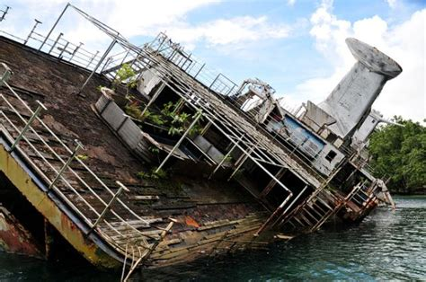 legend boats out of business shipwrecked world discoverer cruise ship sometimes