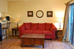 What Color Curtains Go With Red Walls Wall Paint Color For Red Couch Interior Amp Exterior Doors