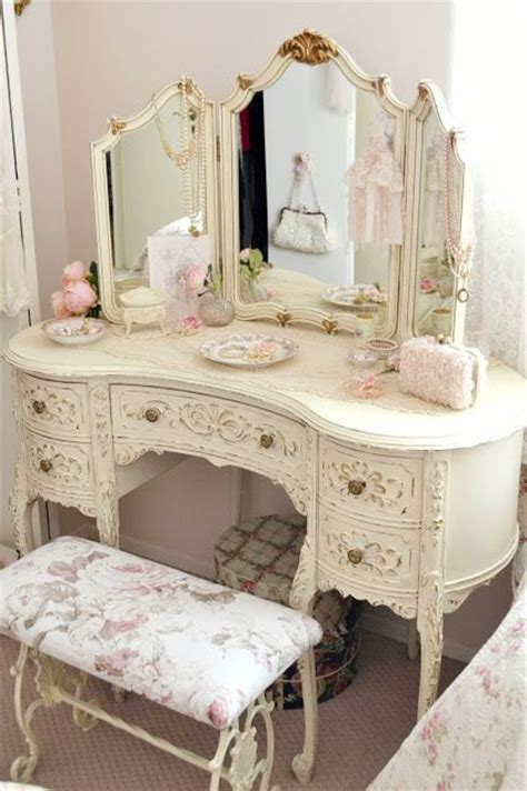 shabby chic antique 25 best ideas about vintage dressing tables on