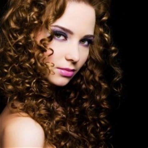 Pelembab Rambut Keriting Cara Merawat Rambut Keriting Kesehatan Tips Kesehatan