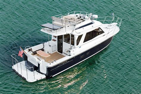cutwater boats with outboards cutwater 30 command bridge sea magazine