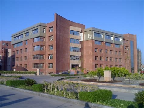 Mba In Healthcare Management Colorado by Amity Apollo Owned Co To Offer Mba Course In