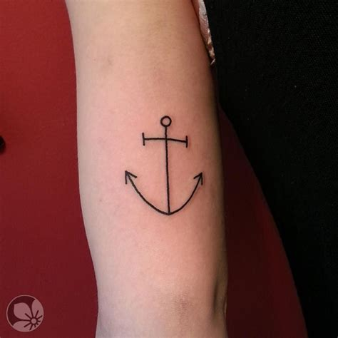 tattoo arm simple simple black anchor tattoo on arm tattooshunt com
