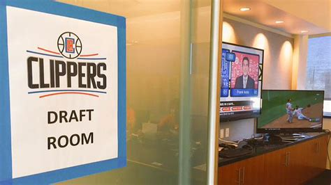 nba draft room the clippers don t an nba draft so they re baseball in the war room