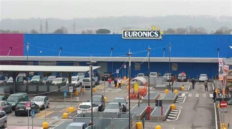 euronics pavia maxi furto bottino da 100 mila all euronics