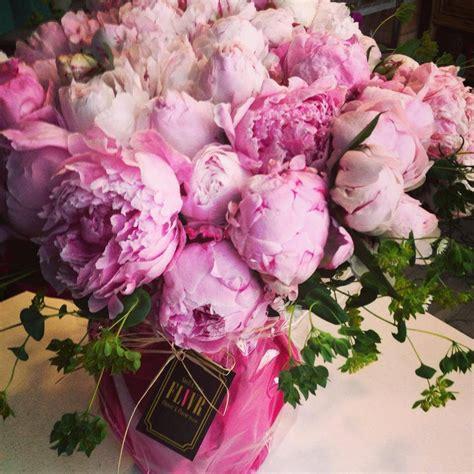 amuses met bloemen tien bloementrends voor je bruiloft blog amuse