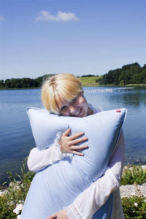 cuscini danesi il cuscino alto particolarmente indicato per chi dorme con