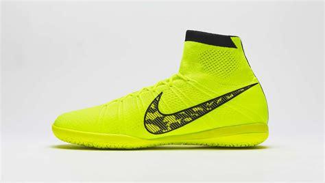 Sepatu Futsal Nike Bomba Finale Ii de nouveaux coloris pour la gamme nike futsal