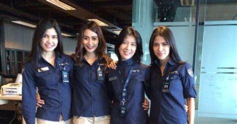 Baju Karyawan Net Tv desain seragam net tv bayu win