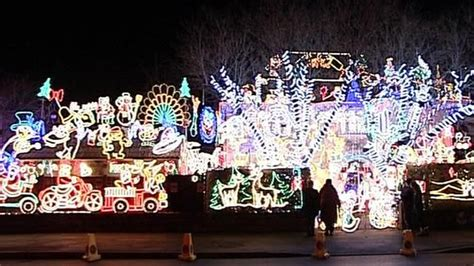 melksham house christmas lights raise money for hospice