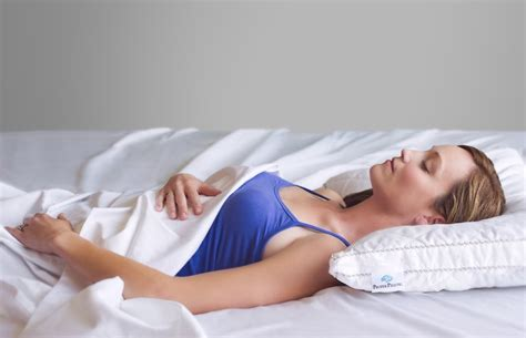 Ideal Pillow by Choosing Ideal Pillow For Neck Great Home Decor