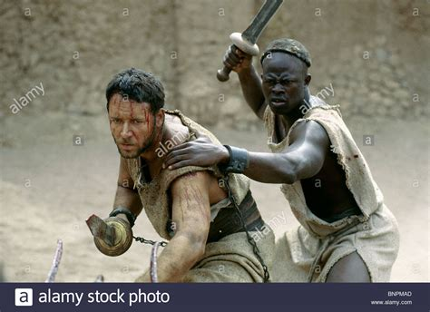 russell crowe gladiator 2000 stock photo royalty free russell crowe djimon hounsou gladiator 2000 stock photo