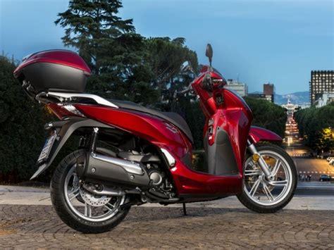 Honda Motorrad 300 by Neuer Honda Roller Sh300i Kommt Im August Auto Motor