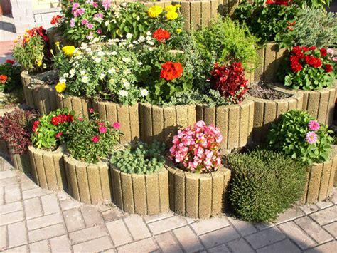 pflanzsteine setzen und bepflanzen gartengestaltung ideen