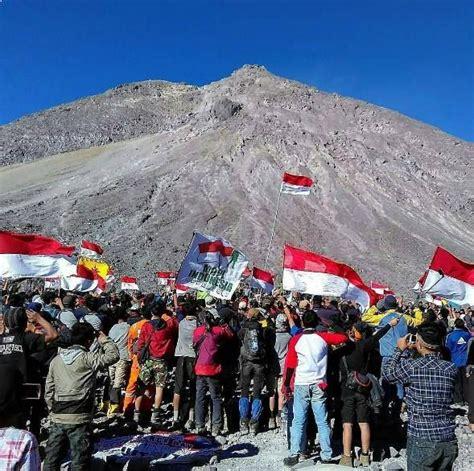 film dokumenter gunung merapi pendakian menantang di gunung merapi jawa tengah