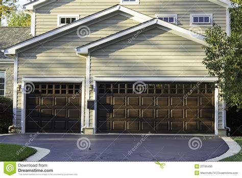 Three Car Garage Plans Traditional by Traditional Three Car Garage Stock Photo Image 27195490