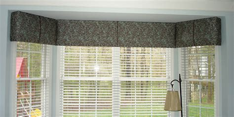 What Is A Window Cornice A Cornice Can Be Economical 187 Susan S Designs