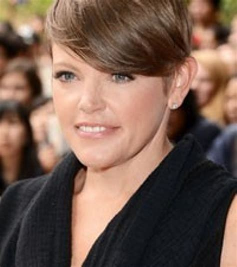song to husband natalie maines likens country to an abusive husband