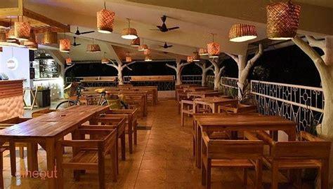 restaurants  goa     find   indian italian chinese  goan food