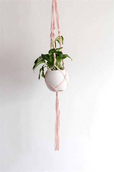 Macrame Plant Hanger Tutorial - 1000 ideas about macrame plant hangers on