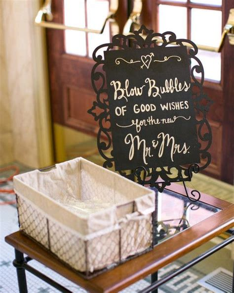 Wedding Wishes Board by 25 Best Ideas About Wedding Bubbles On Diy