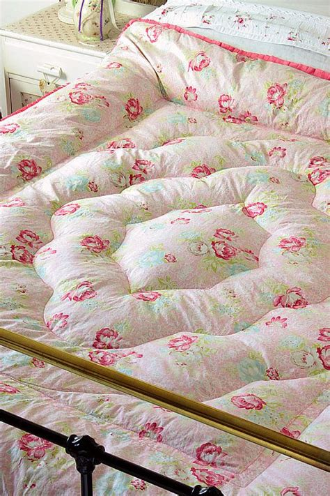 Fashioned Quilted Eiderdowns by 17 Best Images About Eiderdowns On Pink Roses