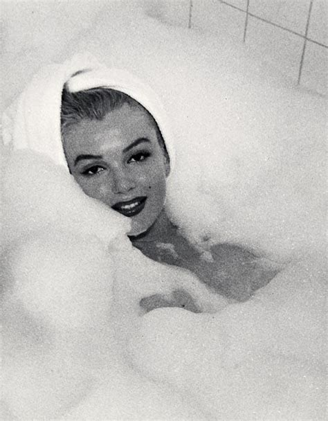 marilyn monroe bathtub andre de dienes marilyn monroe in the bubble