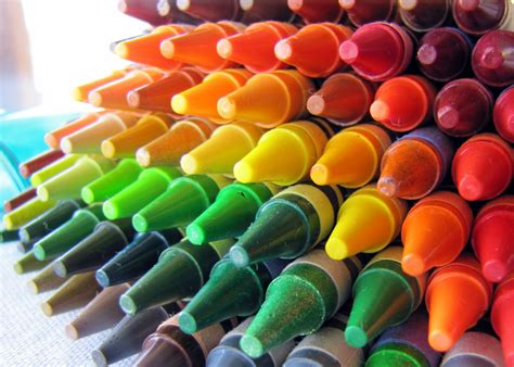 crayola crayons colors what color is that i m color blind padre