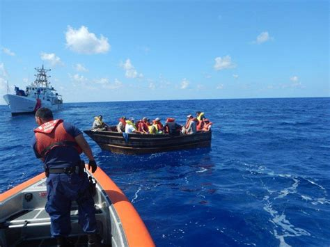 in rickety boats cuban migrants again flee to u s the - Boat From Miami To Cuba