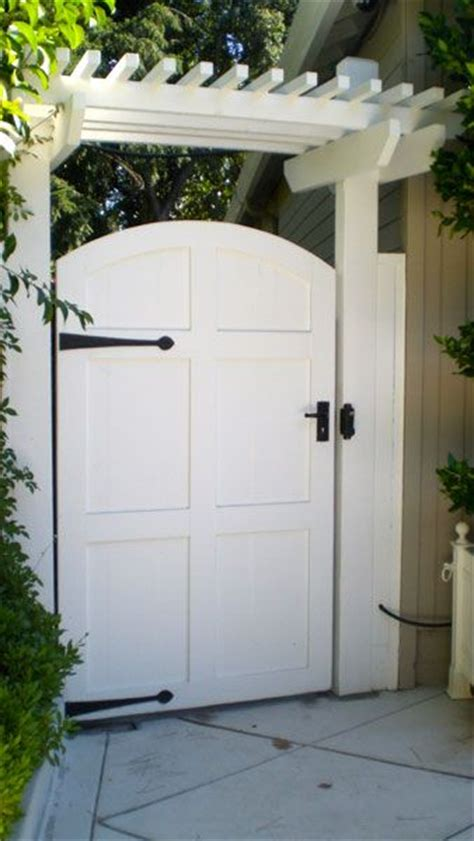 wooden gates for side of house 1000 ideas about side gates on pinterest wooden gates iron gates and driveways