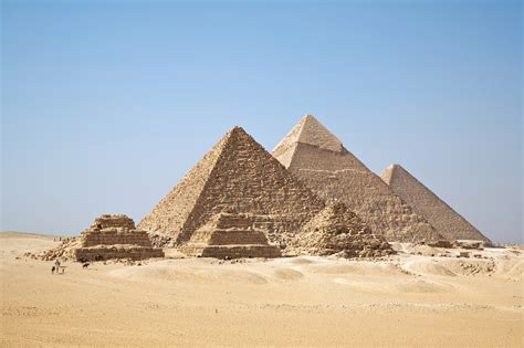 330 Square Feet Room by The Egyptian Pyramids 1 Of The 7 Wonders Of The World