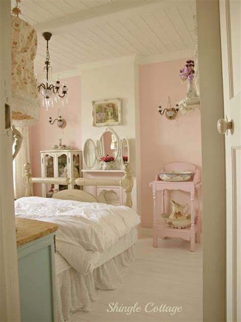 pastel vintage bedroom shingle cottage decorating ideas pinterest