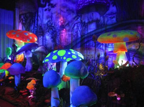 How To Make Mardi Gras Decorations Alice In Wonderland Theme Parties And Props Rick Herns