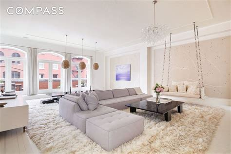 Gwyneth Paltrow Backtracks Ny Home Sale by Gwyneth Paltrow And Chris Martin S Tribeca Penthouse Sells