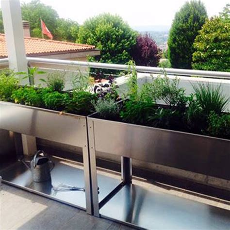 vasche per orto orto in balcone la vasca per un verde a portata di balcone