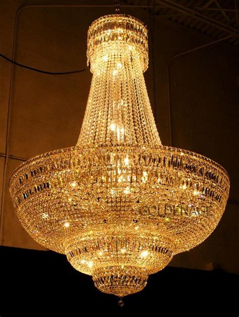 goldener kronleuchter large golden chandelier opulence