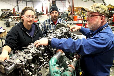 diesel students working   engine   diesel