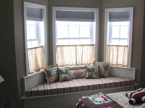 curtains decoration modern bay windows design with small curtain and white