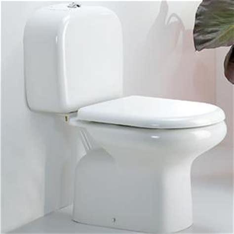 cassetta scarico wc ceramica wc monoblocco in ceramica scarico a terra con cassetta e