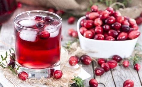 Cranberry Detox Water by 8 Detox Water Recipes That Flush Out And Toxins