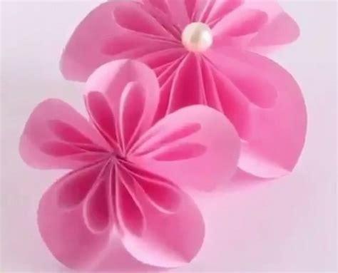yuk bikin hiasan bunga  kertas warna okezone lifestyle